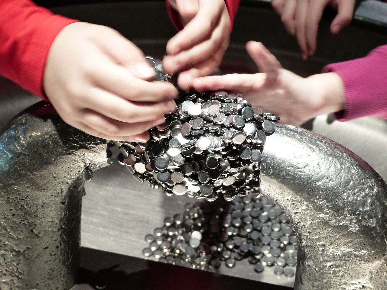 Magnetism For Kids   Cool Kid Facts