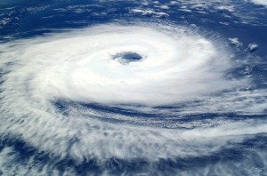 cyclone-62957_1280