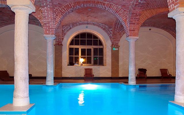 swimming pool Titanic