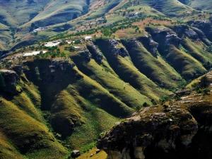 fold mountains-336107_1280