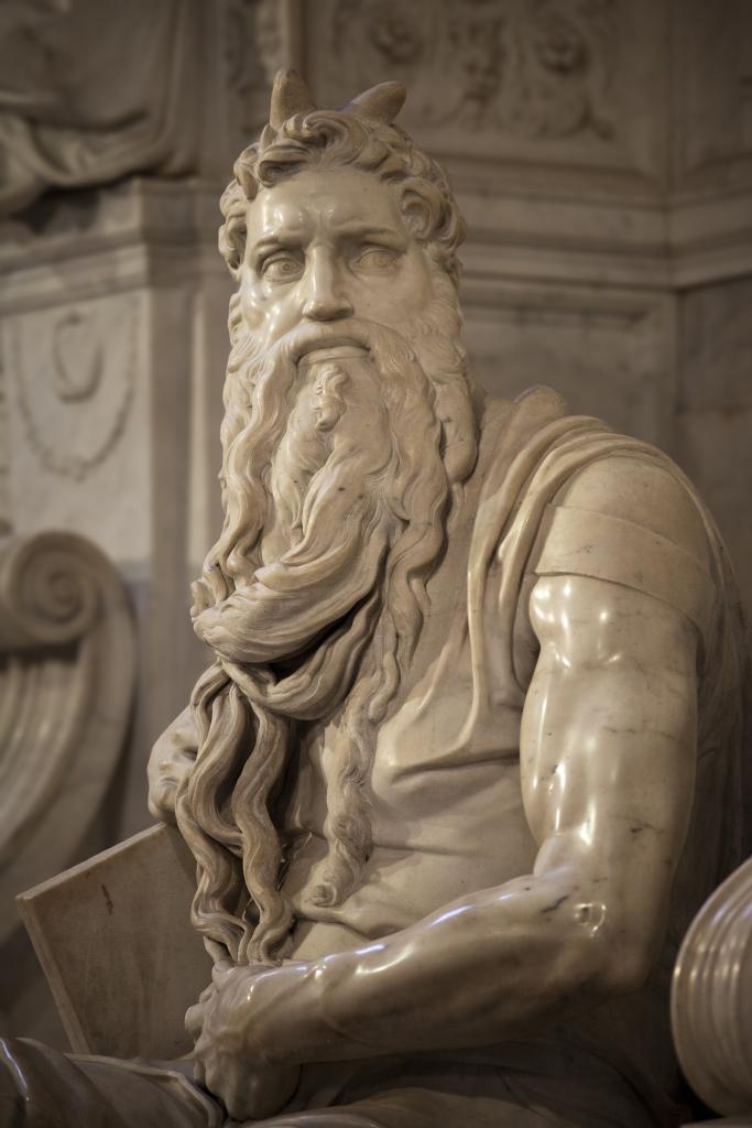 Moses_Michelangelo