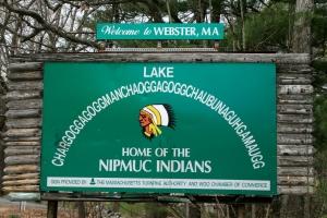 Chaubunagungamaug-lake-sign