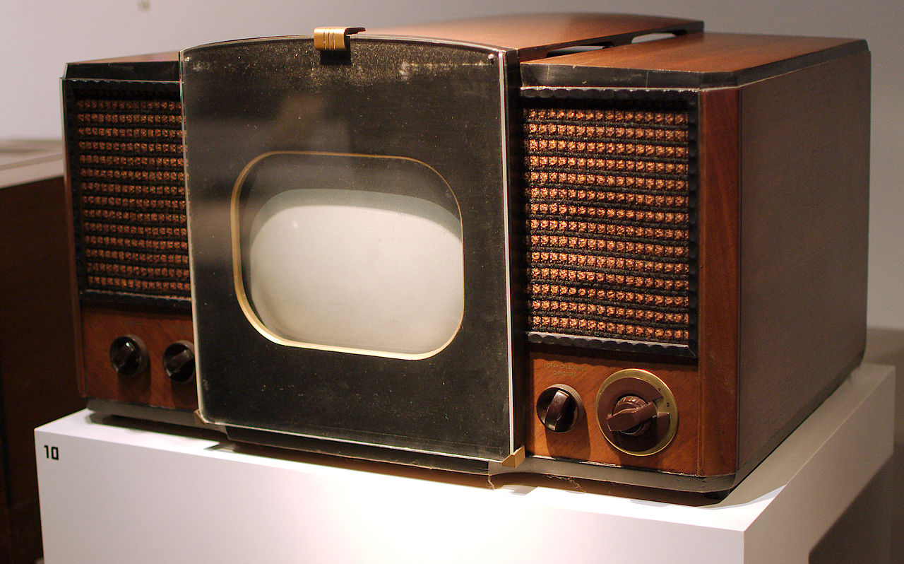 early-television-set