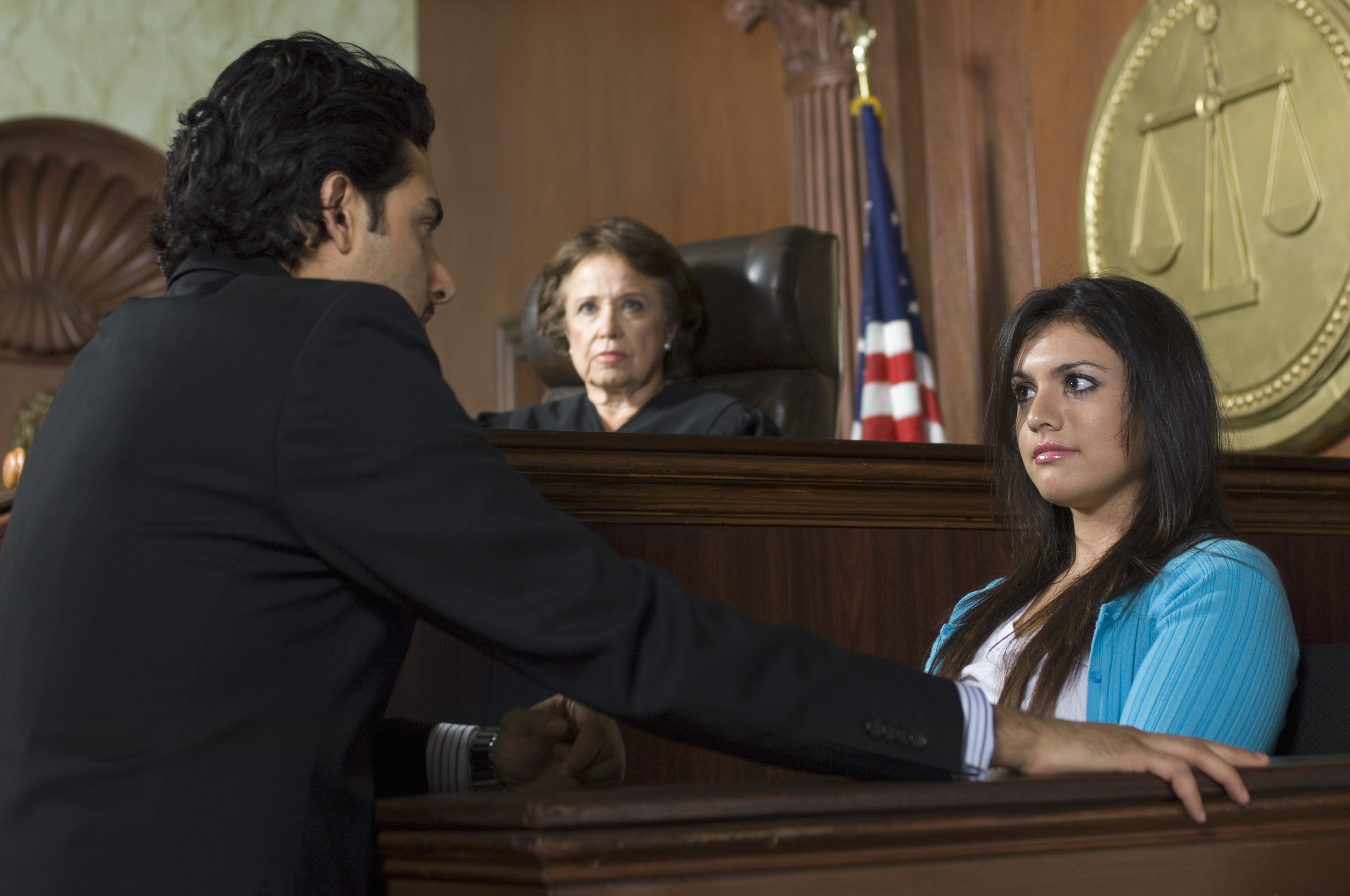 witness-testifying-in-court
