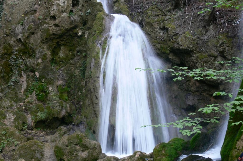 fan waterfall