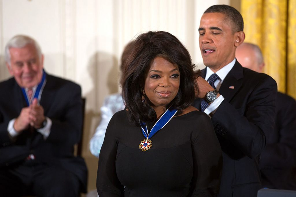 Barack Obama awards Oprah Winfrey