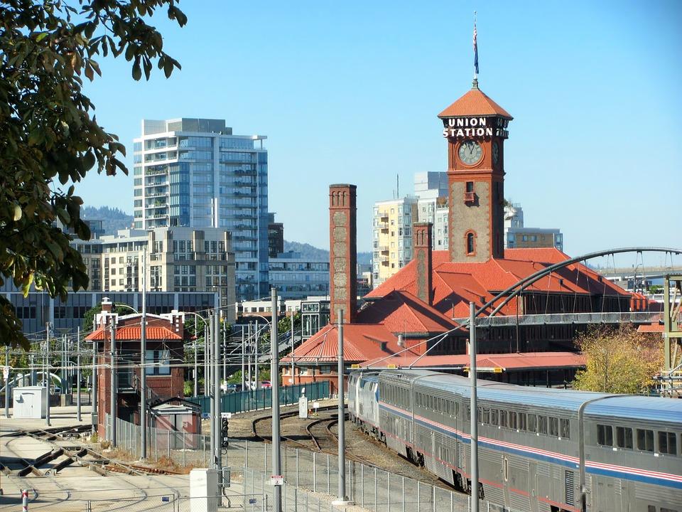 Portland OR train station
