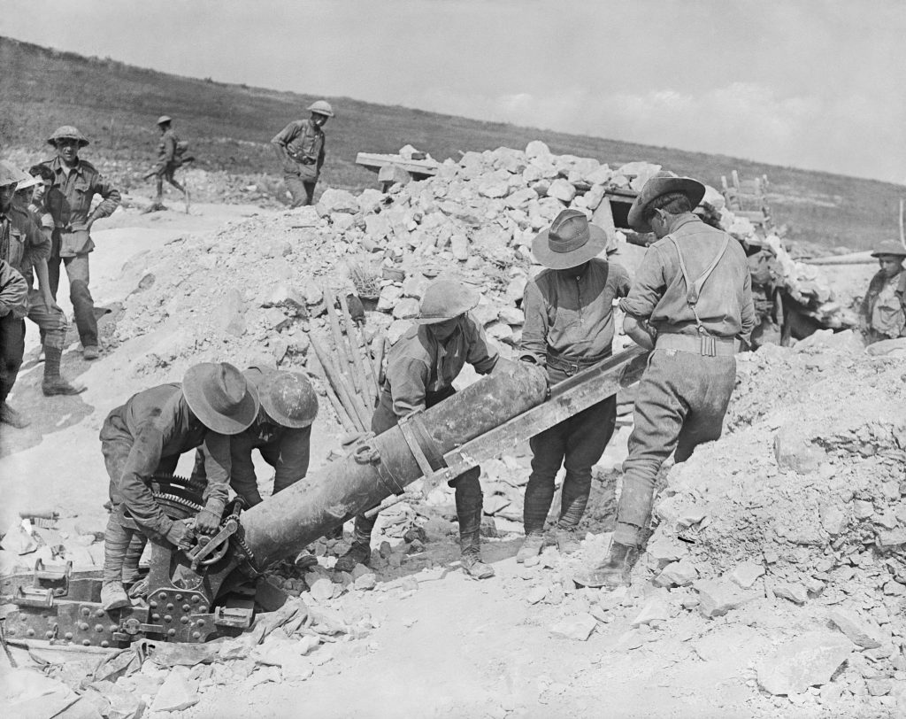 Battle of the Somme loading artillery