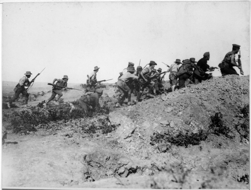 australian-troops-charging-a -trench-at-the-battle-of-gallipoli