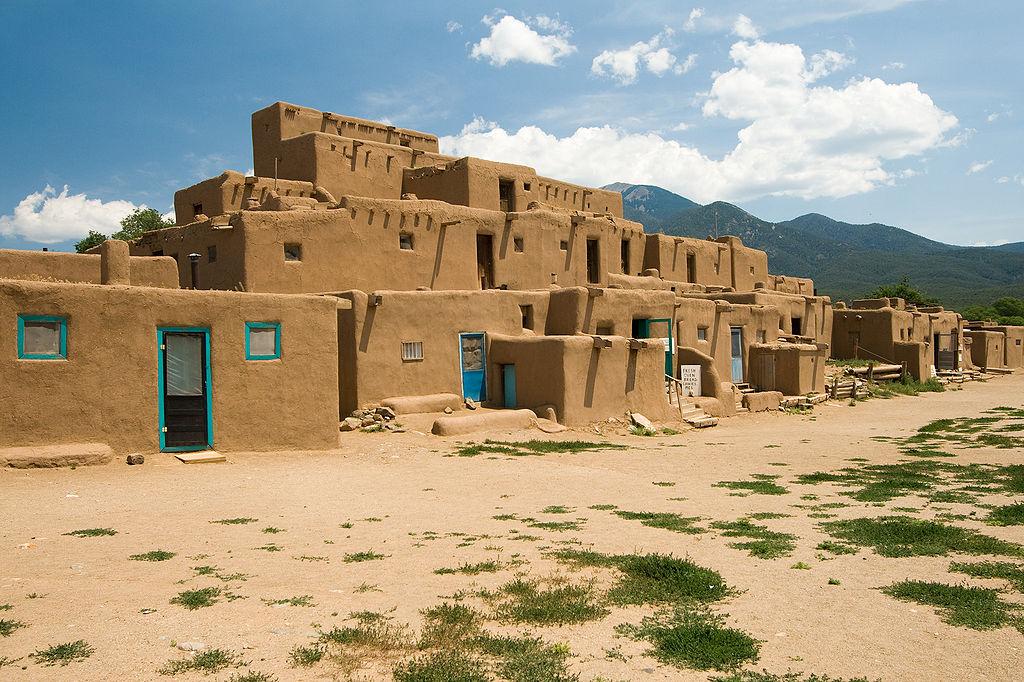 Usa Taos Pueblo Luca Galuzzi
