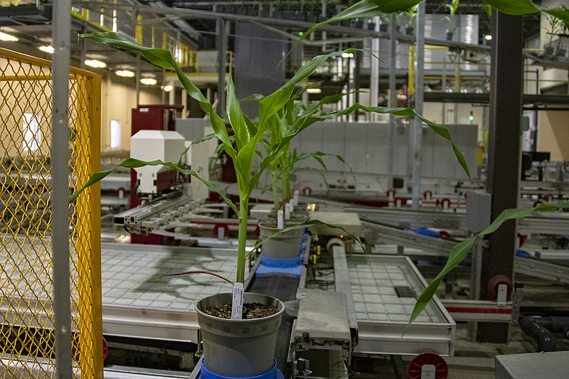 Secretary Pompeo Visits The Corteva Research Facility