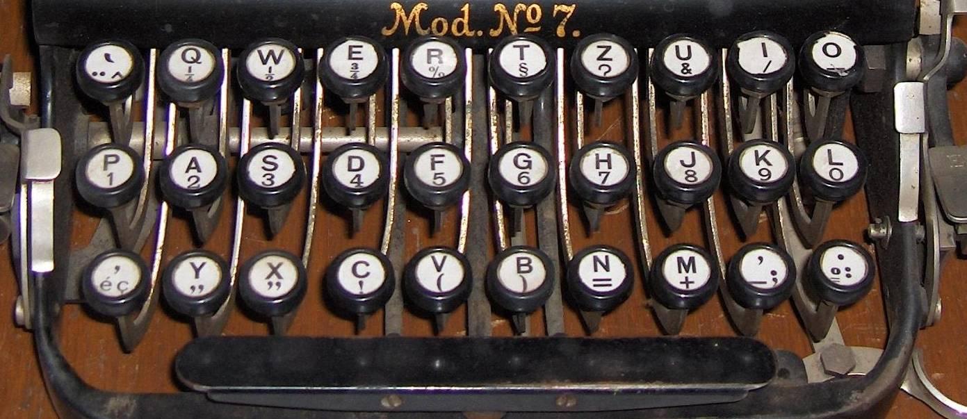 Qwerty typewriter